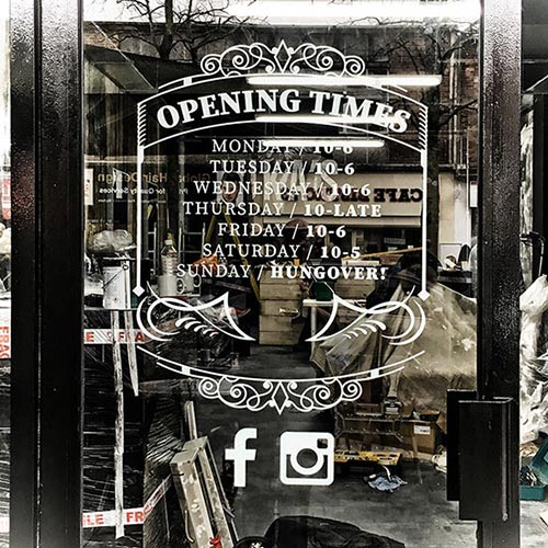 Lukas Barbers door signage
